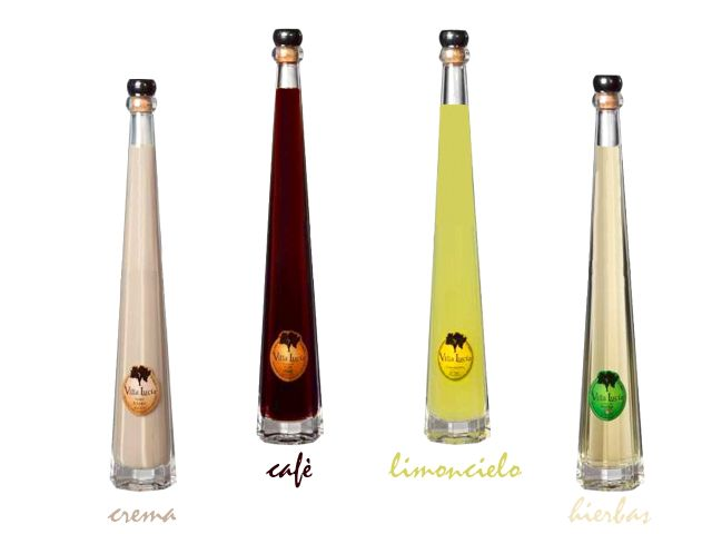 botella de licor con alcohol piramide